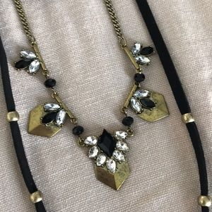 Three-tiered necklace, black and gold colors